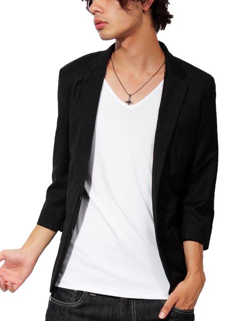 ブラック・黒色のショート丈テーラードジャケットの着こなし・コーデ