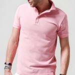 男性でもファッションにピンクを!薄ピンク色のポロシャツがオススメ