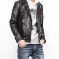 レザーダブルライダースジャケットは男らしいブラック・黒色が良い!