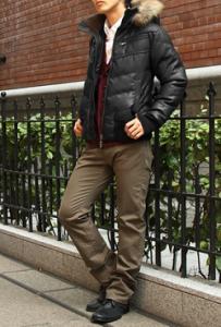 真冬に必須のダウンジャケット!定番の黒色・ブラックがおすすめ